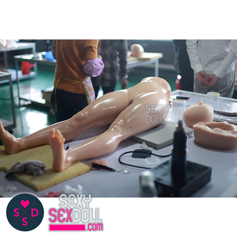 sex doll factory-Refining the body